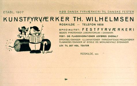 Der fandtes flere andre familiedrevne fyrværkerifabrikker. Her ses en reklame med Storm P. illustration for festfyrværkeri fra Wilhelmsens fyrværkerifabrik i Roskilde.