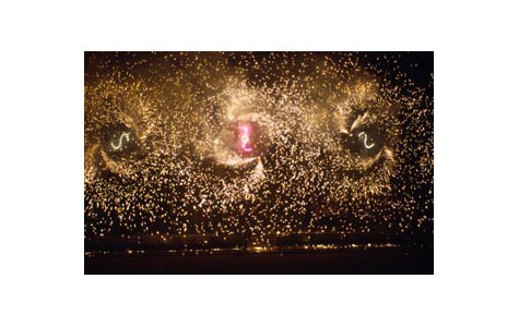 Når Tivoli åbnede første gang i foråret blev det fejret med ekstra flot fyrværkeri, som fx den store pinsesol.