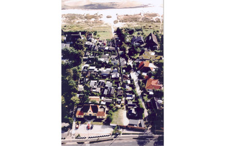 Her ses området ved Strandhusene som det så ca. 1980.