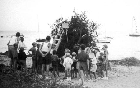 Ved stranden var der hvert år et flot og stort Skt. Hansbål.