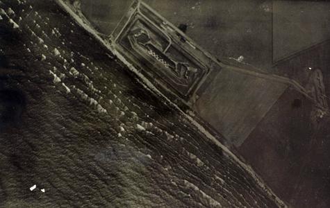 Luftfotografi af Mosede Fort fra 1917. Fotoet er taget i 1200 meters højde i klart vejr.
