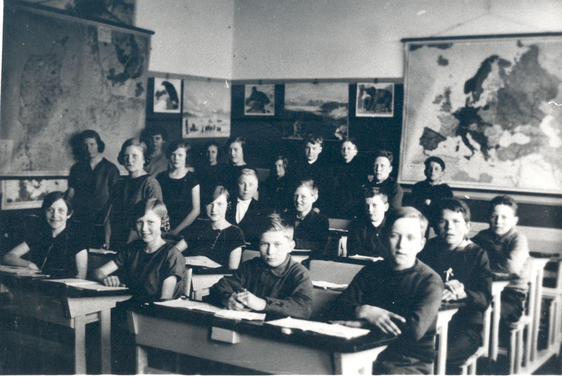 Sådan så der ud i et klasseværelse i Hundige Gl. Skole engang i 1930'erne.