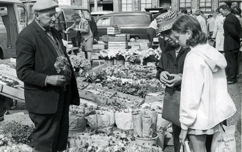 Torvehandel 1969 - foto af Aksel Jensen