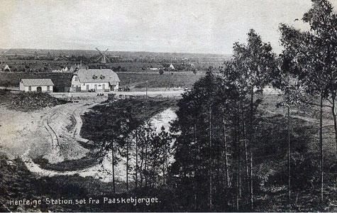 Herfølge Station set fra Påskebjerget