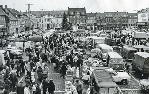 Torvet ved juletid 1972