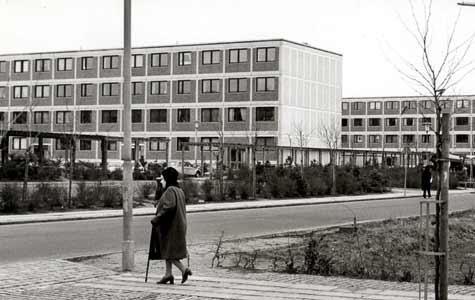 Ellemarken var med sine 1125 lejligheder det største byggeri i Køge i 1960'erne. Et eksempel på det omfattende montagebyggeri, som vandt frem på den tid