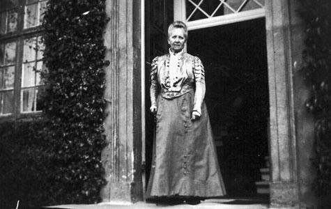 Den sidste overlevende af slægten Carlsen-Lange, Emmy Carlsen.