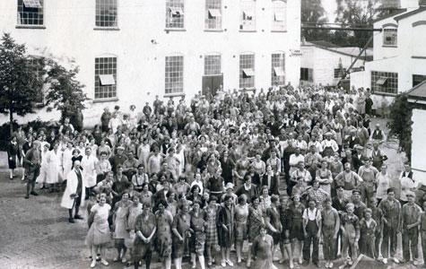 Gummifabrikken var i mange år den største arbejdsplads i Køge. Billedet er fra ca. 1930.
