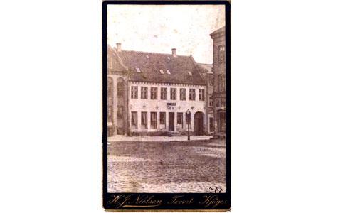 Brogade 1 - Apotekets facade
