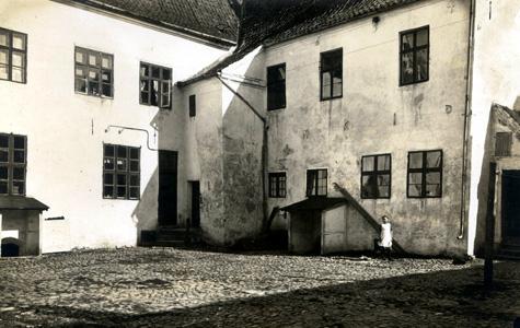 1914 - Baggården i Torvet 21