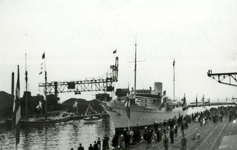 Kongeskibet i Køge Havn ved Køge Bys 650 års jubilæum i 1938