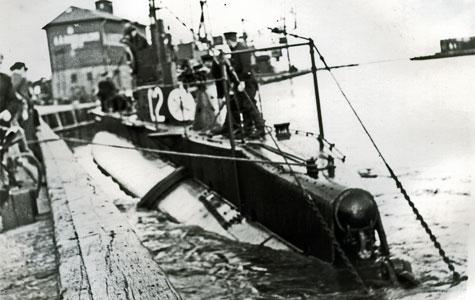 Dansk U-båd i Køge Havn - foto fra før Anden Verdenskrig