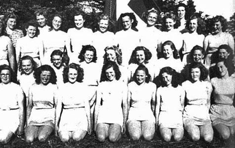 Et pigehold fra dengang Jersie forsamlingshus tjente som sportsha