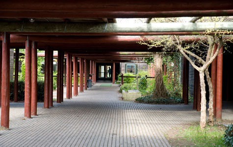 Uglegårdsskolen er ret utraditionelt bygget.