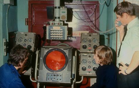 O rummet - Radar i Undergrundens gamle O-rum. Radarbilledet viser alle bevægelser på Østersøen, men man kunne fx ikke se hvilken slags skib, det drejede sig om.