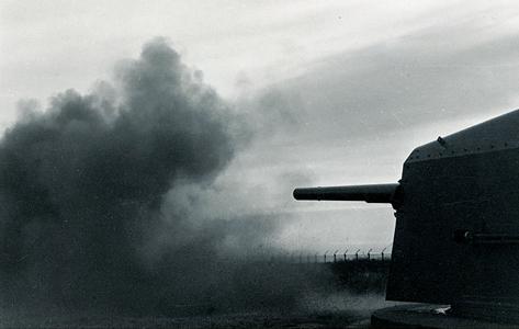 Affyring af kanonerne, Stevns Fort.